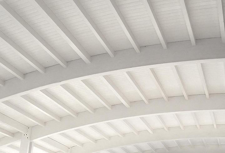 Tetto in legno bianco tetti in legno bianco gallery with for Mansarda in legno bianco
